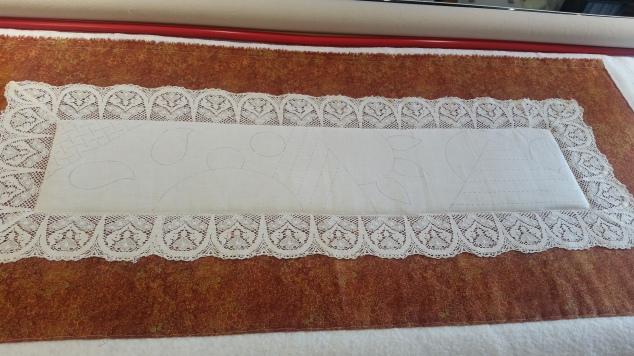 lace tablerunner 1
